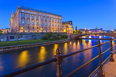 The Swedish Parliament Building at dusk, Helgeandsholmen, Stockholm, Sweden, Scandinavia, Europe
