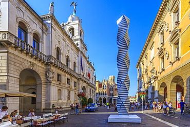 View of modern art and Palazzo Moroni, Comune di Padova, Padua, Veneto, Italy, Europe