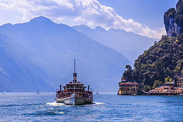 View of ferry boat on Lake Garda near Riva del Garda, Riva del Garda, Lake Garda, Trentino, Italian Lakes, Italy, Europe