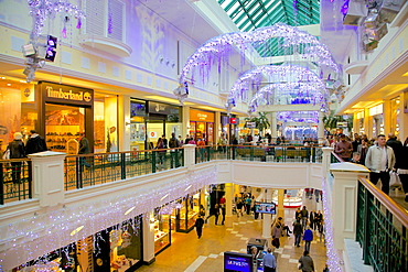 Interior of Meadowhall Shopping Centre at Christmas, Sheffield, South Yorkshire, Yorkshire, England, United Kingdom, Europe