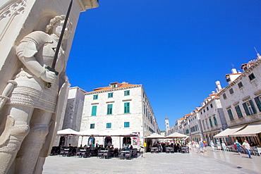 Stradun amd Orlando's Column, Dubrovnik, Dalmatia, Croatia, Europe