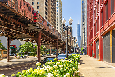 View of Loop train and skyscrapers, Downtown Chicago, Illinois, United States of America, North America