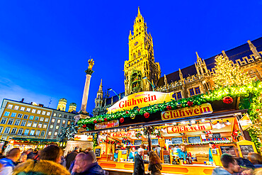 View of Christmas Market in Marienplatz and New Town Hall at dusk, Munich, Bavaria, Germany, Europe