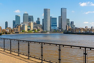 View of Canary Wharf Financial District from the Thames Path in Wapping, London, England, United Kingdom, Europe - 844-23659