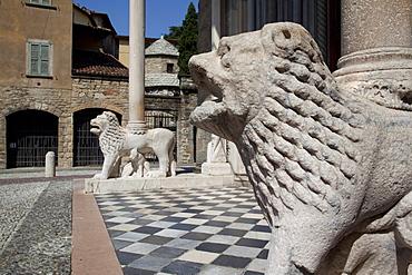 Entrance to the Basilica Santa Maria Maggiore, Piazza Duomo, Bergamo, Lombardy, Italy, Europe