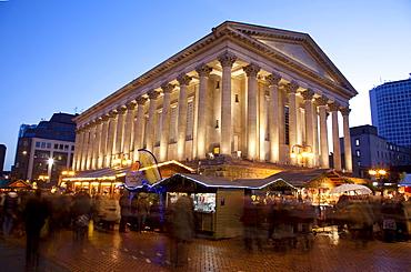 Christmas Market stalls and Town Hall, City Centre, Birmingham, West Midlands, England, United Kingdom, Europe