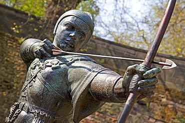 Robin Hood statue, Nottingham, Nottinghamshire, England, United Kingdom, Europe