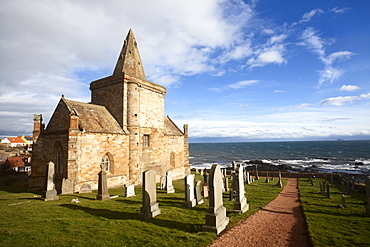 The Auld Kirk and Kirkyard on the Fife Coast at St. Monans, Fife, Scotland, United Kingdom, Europe
