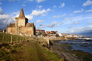 The Auld Kirk from the Fife Coast Path at St. Monans, Fife, Scotland, United Kingdom, Europe
