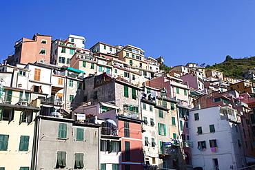 Colourful buildings at Riomaggiore, Cinque Terre, UNESCO World Heritage Site, Liguria, Italy, Europe