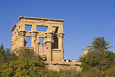 Group of tourists at the Kiosk of Trajan at the Philae Temples, UNESCO World Heritage Site, Nubia, Egypt, North Africa, Africa