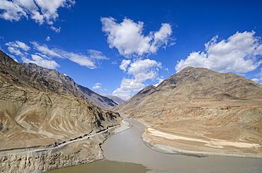 The mountainous scenery of the Zanskar River, Ladakh, Himalayas, India, Asia