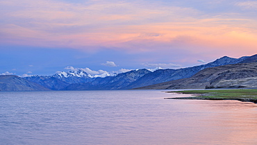 Pastel colours at dusk over the lake and mountains of Tso Moriri, Ladakh, India, Asia