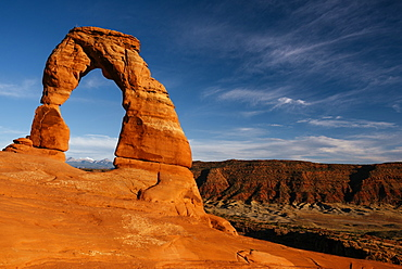 Delicate Arch at dusk, Arches National Park, Utah, United States of America, North America