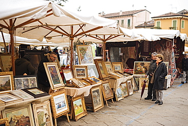 Sunday antiques market, Verona, Veneto Province, Italy, Europe