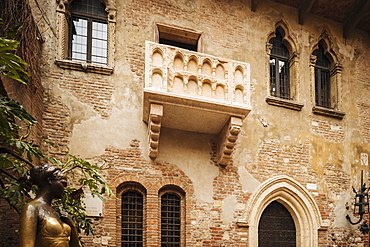 Juliet's house (Casa di Giulietta), Verona, Veneto Province, Italy, Europe