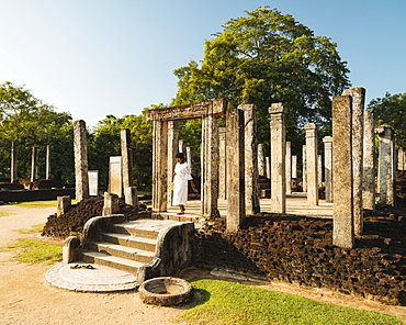 Recumbent House, Polonnaruwa, UNESCO World Heritage Site, North Central Province, Sri Lanka, Asia