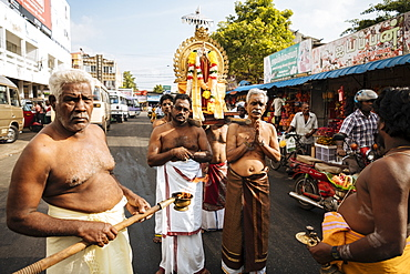 Morning Puja Ceremony at Vairavar Kovil Hindu Temple, Jaffna, Northern Province, Sri Lanka, Asia