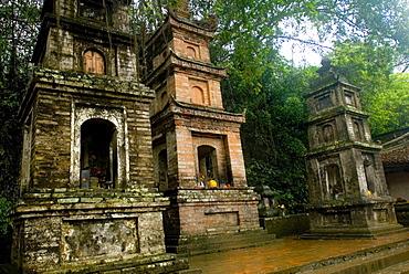 Shrine at Perfume Pagoda, Vietnam, Indochina, Southeast Asia, Asia