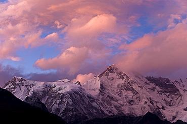 View towards Cho Oyu, Gokyo, Solu Khumbu (Everest) Region, Nepal, Himalayas, Asia