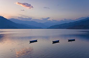 Phewa Tal Lake, Pokhara, Western Hills, Nepal, Himalayas, Asia