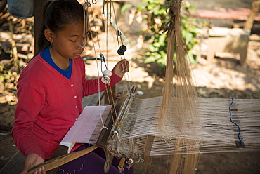 Weaving Village of Ban Phanom, Luang Prabang, Laos, Indochina, Southeast Asia, Asia
