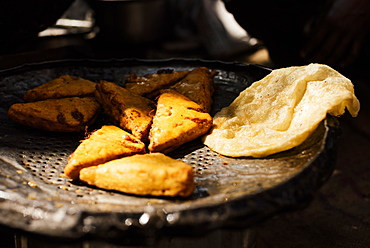 Cooked bhature and samosas, Sector 7, Chandigarh, Punjab and Haryana Provinces, India, Asia