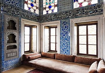 Interior of Baghdad Kiosk, Topkapi Palace, UNESCO World Heritage Site, Sultanahmet, Istanbul, Turkey, Europe