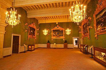 Hunting trophies and paintings adorn one of the 440 rooms in the Chateau de Chambord, UNESCO World Heritage Site, Loir-et-Cher, Centre, France, Europe