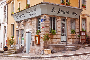 An restaurant in the old town of Autun in Burgundy, France, Europe