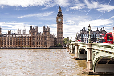 The Houses of Parliament and Westminster Bridge, UNESCO World Heritage Site, London, England, United Kingdom, Europe