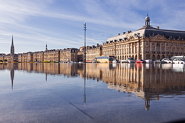 The Miroir d'Eau (Water Mirror) in the city of Bordeaux, Gironde, Aquitaine, France, Europe