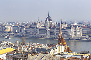 Sitting on the banks of the River Danube, the Hungarian Parliament Building in dates from the late 19th century, UNESCO World Heritage Site, Budapest, Hungary, Europe