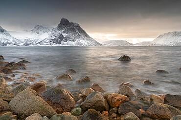 Snow covered mountains near to Stonglandseidet on the island of Senja, Troms og Finnmark, Norway, Scandinavia, Europe