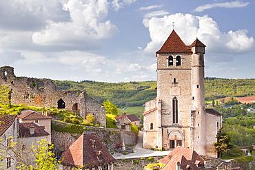 The village of Saint Cirq Lapopie, designated a Beaux Village de France, Lot, France, Europe