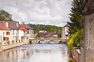 The River Ource running through the village of Essoyes, Aube, Champagne-Ardennes, France, Europe