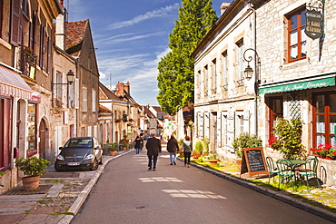 Looking down the main street in the hilltop village of Vezelay in the Yonne area of Burgundy, France, Europe