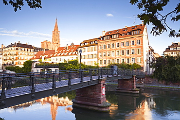 The River Ill and La Petite France, Strasbourg, Bas-Rhin, Alsace, France, Europe