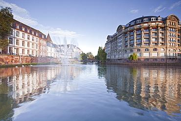 Quai Saint Etienne and the River Ill, Strasbourg, Bas-Rhin, Alsace, France, Europe