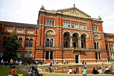 Victoria and Albert Museum (V&A), South Kensington, London, England, United Kingdom, Europe