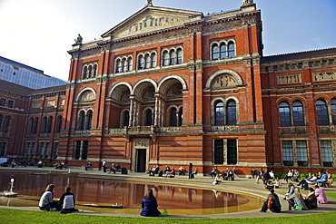 John Madejski Garden, Victoria and Albert Museum, South Kensington, London, England, United Kingdom, Europe