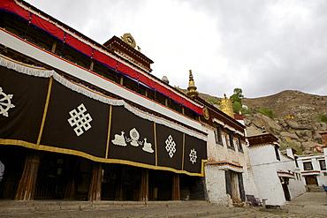 Entrance to the assembly hall at Sera Monastery, Lhasa, Tibet, China, Asia