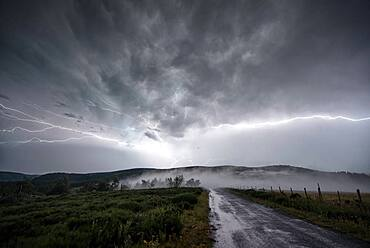 Thunderstorm of August 8, 2017 on the Ard?che, France