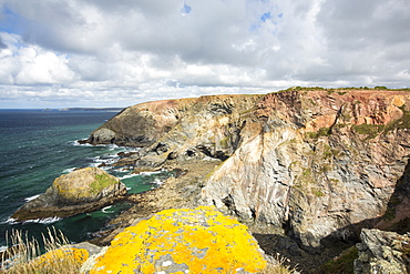 Mined sea cliffs above St Agnes, Cornwall, UK.