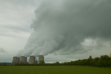 Ratcliffe on Soar, a massive coal fired power station in Nottinghamshire, England, United Kingdom, Europe