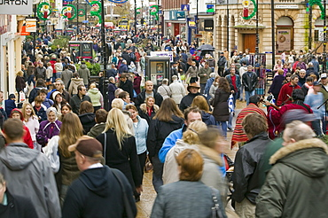 Christmas shoppers in Lincoln, Lincolnshire, England, United Kingdom, Europe