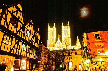 Lincoln Cathedral at night in Lincoln, Lincolnshire, England, United Kingdom, Europe