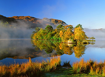Rydal Water in autumn in the Lake District National Park, Cumbria, England, United Kingdom, Europe