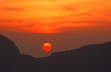 Sunset over the Scafell Range in the Lake District National Park, Cumbria, England, United Kingdom, Europe
