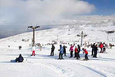 Skiers on Cairngorm in the Cairngorm National Park in Scotland, United Kingdom, Europe